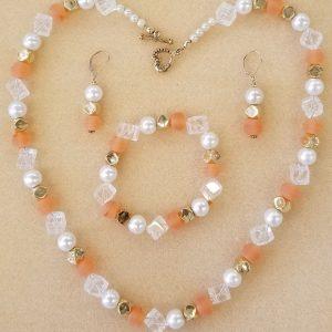597n b e Peach &pearls