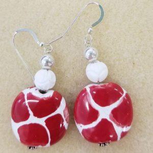 920e Kazuri red white